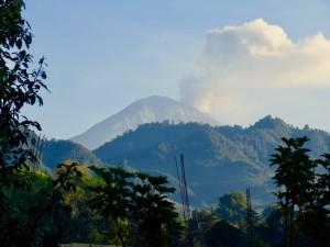 Volcán Popocatepetl, visto desde el Barrio San Felipe, Hueyápan (Tracy L. Barnett